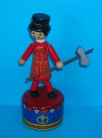 Beefeater Soldier - Crown & Bunting Painted Base